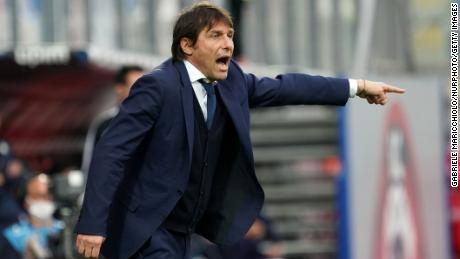 Inter coach Antonio Conte gestures during the 2-0 win over Crotone on Saturday.