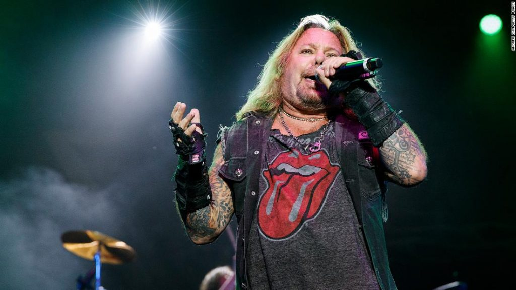 Vince Neil damage in fall from stage at Tennessee rock pageant